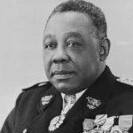 Janvier 1939. Les fascistes de l'Azione coloniale insultent le gouverneur noir Félix Éboué, regardé comme sauvage et cannibale