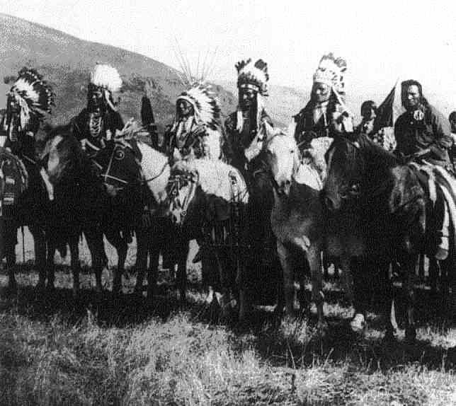 Les Nez percés (the Nez Perce), vaincus en 1877 et leur chef Joseph.